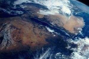 Как посмотреть на Землю со спутника в реальном времени: трансляция из самого Космоса