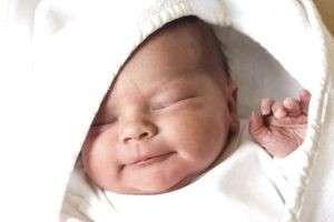 Уход за новорожденным мальчиком и девочкой в первый месяц