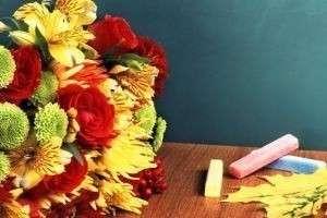 Какие цветы дарить на 1 сентября?