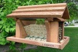 Делаем кормушку для птиц