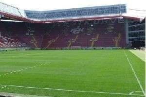 Каковы размеры футбольного поля?