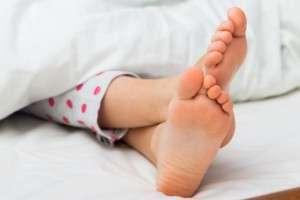 Мозоль на стопе у ребенка: причины и методы лечения