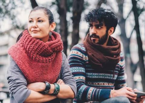 Мужчина критикует женщину: норма или отклонение?