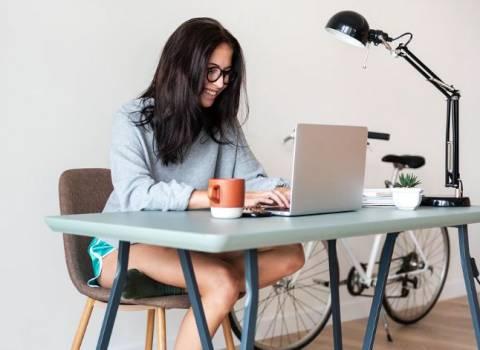 Как проводить время в интернете с пользой: полезные сайты и советы