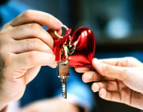 Подарки мужу на 14 февраля своими руками: необычные и простые в выполнении идеи