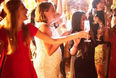 Сценарий на 8 марта: как сделать женский праздник незабываемым?