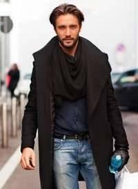 Как носить мужской шарф с пальто?