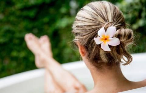 Ванны с английской солью: чем полезно и почему так популярны?