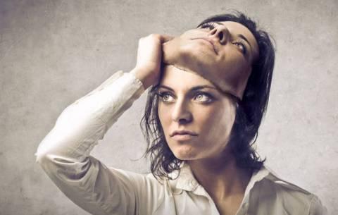 Как становятся социопатами: признаки и причины