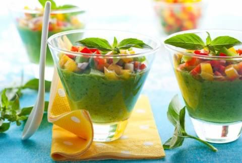 Худеем с холодным супами: рецепты легких первых блюд с огурцами
