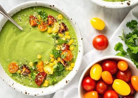 Лето на тарелке: лучшие рецепты холодных супов для праздника