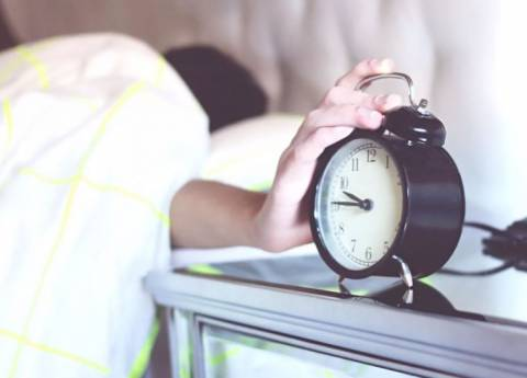 Почему тяжело просыпаться по утрам: причины