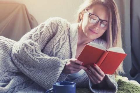 Почему читать перед сном полезно?