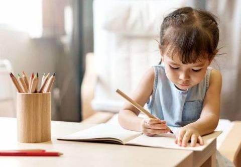 Хрустят пальцы у ребенка: в чем проблема и что делать?