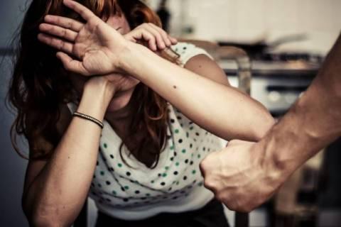 Домашнее насилие над женщинами: куда обращаться и что делать?
