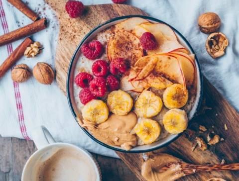 Ярко и аппетитно: рецепты каш с фруктами для детей