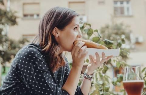Стоп-лист для женщин: какие продукты вредны для кожи?