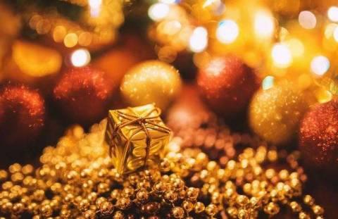 Праздничный Hand-made: какие новогодние поделки сделать на работе?