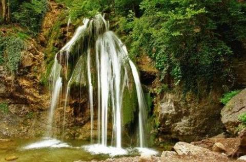 Водопад Джур-Джур: идеальное место для уединения с природой