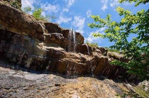 Путешествие по Крыму: удивительные Арпатские водопады