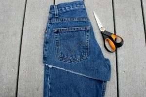 Как обрезать джинсы в шорты: волшебное преображение