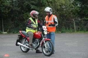 Какой мотоцикл купить новичку: обзор характеристик и полезные рекомендации