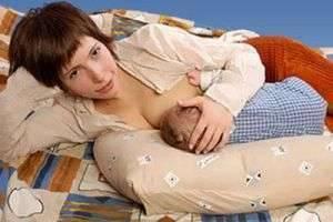 Как кормить новорожденного ребёнка: основные правила и рекомендации