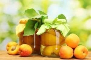 Как сделать компот из персиков и других фруктов