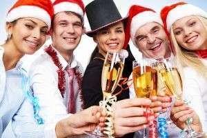 Тосты на корпоративе на Новый год: удачное поздравление по всем правилам