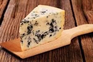 Сырные деликатесы: сыр с зеленой плесенью