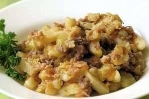 Картошка, тушеная с тушенкой: быстро, просто и очень вкусно