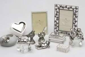 Что подарить на серебряную свадьбу родителям: традиции и креативные варианты