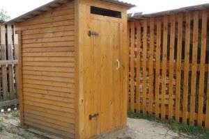 Как сделать туалет на даче: вызов любому мужчине