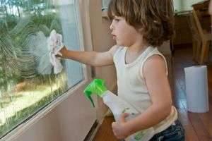 Чем мыть пластиковые окна - подручные средства и современный подход