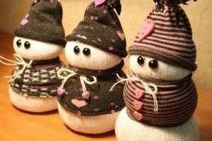 Снеговик из носка — мягкая игрушка к Новому году