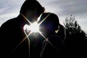 Как сделать так, чтобы девушка влюбилась : что поможет завоевать сердце красавицы?