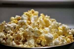 Готовим попкорн в домашних условиях — самый разный