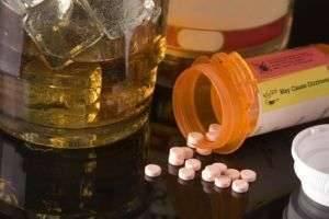 Почему нельзя пить антибиотики с алкоголем: советы врачей