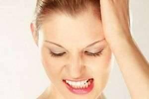 Почему люди скрипят зубами во сне: причины и лечение