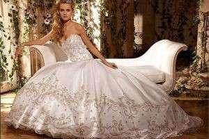Приметы про свадебное платье: каким должен быть его цвет и фасон, можно ли его продавать?
