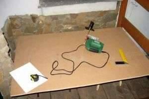 Как сделать кухонный стол своими руками? Краткая инструкция