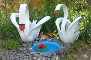 Как сделать лебедя из покрышки?  Простое, но эффектное украшение