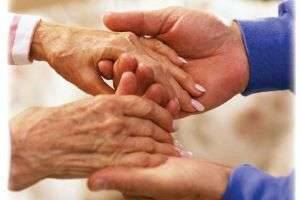 Почему дрожат руки у взрослого или ребенка, и что с этим делать?