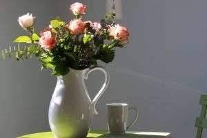Как сохранить розы в вазе свежими, чтобы продлить ощущение праздника