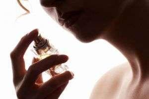 Духи с феромонами: миф или реальность? Как они действуют и какие лучше выбрать?