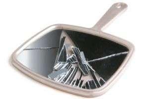 Что делать, если разбилось зеркало: отводим беду