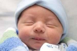 Как лечить коньюктивит у новорожденного и не навредить?
