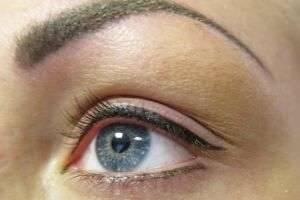 Перманентный макияж век: межресничный татуаж глаз и последствия некачественной процедуры