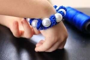 Как сделать браслет своими руками из разных материалов