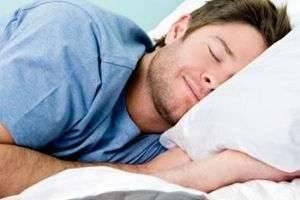 Как лучше: спать с подушкой или нет? Советы специалистов